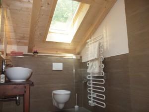 Badezimmer im Studio unterm Dach